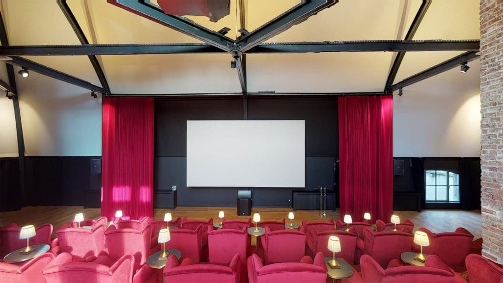 Maison De La Poste - Theatre / Cinema / Bioscoop - Tour & Taxis